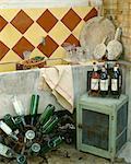 Cuisine de Bandol et bouteilles de vin