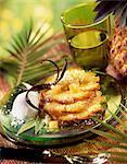 Ananas rôti et glace vaniila et noix de coco
