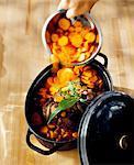 Ajouter les carottes pour le ragoût de boeuf