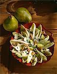 Salade de chicorée, noix et Roquefort