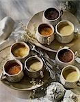 Traditionelle kleine Creme Dessert