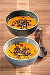 Crème de potiron soupe avec du riz sauvage