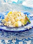 Salade de pommes de terre, blanc asperge, la chicorée et amande