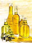 Komposition mit Flaschen verschiedene Öle