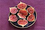Fresh figs cut in half