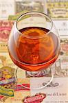 Verre de Cognac et étiquettes