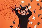 Junge schreiend In Cat-Kostüm für Halloween