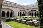 France, Provence, Ganagobie, cloître de l'abbaye