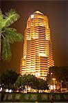 Tour de la Malaisie, Kuala Lumpur, de la banque publique par nuit