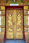 Thaïlande, Chiang Mai, temple Wat Phra Singh, entrée