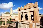 Maroc, Marrakech, mosquée ben Youssef et Koubba almoravide en arrière-plan