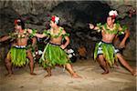Danseurs traditionnels Tongans Oholei Beach Resort, Tongatapu, Tonga