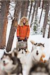Femme avec des traîneaux à chiens, Frisco, Summit County, Colorado, Etats-Unis