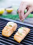 Saumon sur le barbecue, close-up, Suède.