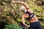 Backview de femme étirements après Jogging, Seattle, Washington, USA