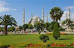 La mosquée bleue (Sultan Ahmet Camii) avec dômes et six minarets, Sultanahmet, Istanbul, Turquie, l'Europe centrale