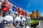 Masques en vente à un marché de rue, de basilique de Nuestra Senora de Guanajuato, Guanajuato, patrimoine mondial UNESCO, Guanajuato État, au Mexique, en Amérique du Nord