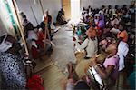 Gens adorent au village de guérison cérémonie, Eshowe, Zululand, KwaZulu-Natal, Afrique du Sud, Afrique