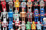 Robots, magasin de jouets, marché aux puces de Panjiayuan Chaoyang District, Beijing, Chine, Asie