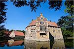 Château entouré de douves, Vischering, Münsterland, Rhénanie du Nord-Westphalie, Allemagne