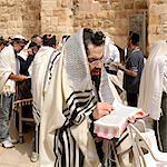 Juifs en prière au mur des lamentations (mur des lamentations) à Jérusalem. Israël, Moyen-Orient