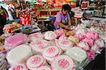 Femme préparer gâteaux, Chinatown, Bangkok, Thaïlande