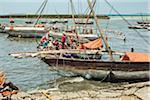 Bateaux dans le port de Stone Town, Zanzibar Island, Zanzibar, République-Unie de Tanzanie