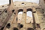 Ruines des anciens bâtiments sur l'île de Hollande nouveau à Saint-Pétersbourg, en Russie.