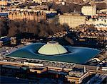Le British Museum, Londres. Nouveau toit en verre et le paysage urbain depuis le toit du Centre Point dans Tottenham Court Road architectes : Foster and Partners. Ingénieurs : Ingénieurs : Buro Happold