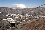 Japon, Hakone, telepherique et le Mont Fuji en arrière-plan