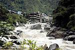 Pérou, province d'Urubamba, Aguas Calientes, rivière Urubamba