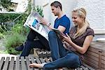 Jeune couple avec ipad