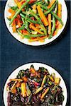 Ail carottes, haricots verts et Bette à carde arc-en-ciel avec crème de balsamique