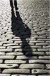 Ombre de la personne sur les pavés, Londres, Angleterre