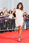 Celebrity posant sur le tapis rouge