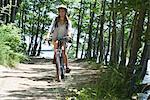 Vélo de femme en bois