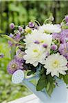 Bouquet de fleurs de trèfle et Dahlia
