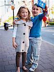 Kinder nehmen Selbstporträt, Front Street, Toronto, Ontario, Kanada