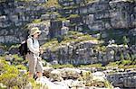 Randonneuse sur Echo Valley trail, près de Kalk Bay, Cape Town, Western Cape Province, Afrique du Sud
