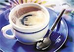 Euro signer dans la tasse de café.