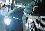 Euro signent la calandre de la voiture.
