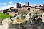 Vue de Tuscania Piazza Bastianini et étrusque sarcophage, Tuscania, Province de Viterbe, Latium, Italie, Europe