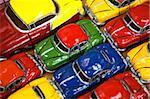 Lignes de couleur modèle traditionnelles voitures américaines à vendre aux touristes, la Vieille Havane, Cuba, Antilles, l'Amérique centrale