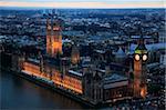 Luftbild des Palace of Westminster und Big Ben an einem Winterabend im Zentrum von London aus hoch über der Themse, UNESCO-Weltkulturerbe, London, England, Europa