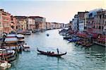 Einer Gondel über die Canal Grande, Venedig, UNESCO World Heritage Site, Veneto, Italien, Europe