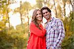 Portrait d'un jeune Couple dans le parc