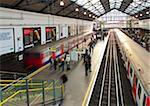 District Line platforms, Earls Court Underground Station, London, England, United Kingdom, Europe