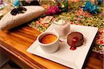 Erdbeer-Mousse, Creme Brulee und Schokolade Dessert