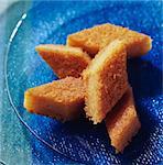 Biscuits aux amandes dorées en forme de losange