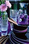 Assiettes, verres et couverts